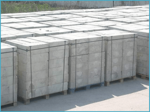 Средняя стоимость пеноблоков находится в районе 3 000 рублей за м. кубический. В 1 кубометре пеноблоков 27,7 шт. Получается, что 981 шт это около 35 куб