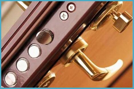 Установка или ремонт замка входной двери 3